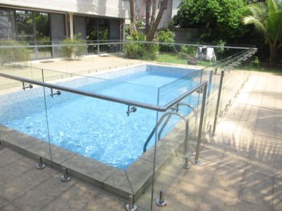 glass-and-steel-handrails-iapbuilding-solutions